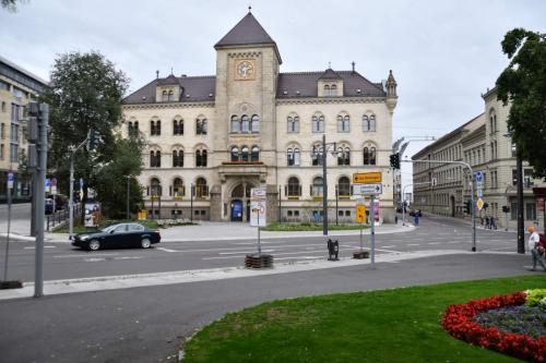Halle Postgebäude